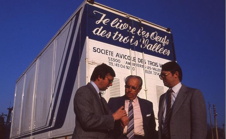 1977 : Les oeufs frais en coquille sont livrés sur toute la France