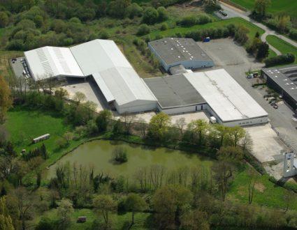 PRE EN PAIL - ZA des Alpes Mancelles - Route de Gesvres plus fort que Google Earth en ULM au dessus du site de MAINE AGROTEC
