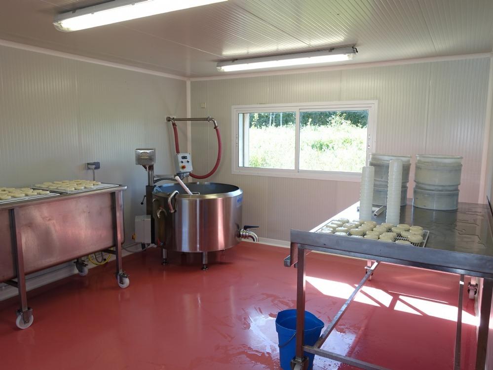 Maine Agrotec avait permis en Juillet 2015 la réalisation sur l'ile de BELLE ILE de la première fromagerie artisanale de tomes.