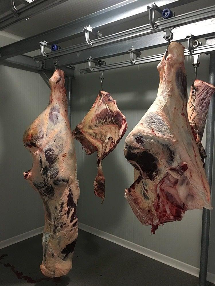 Atelier de découpe de viande en plein coeur de la Lozère