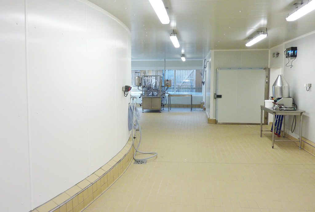 Locaux en plaques PVC 2 mm curves