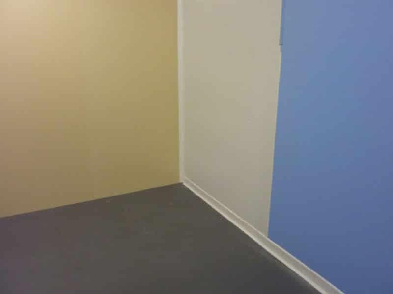 3 coloris de plaques et profils de jonction (crème - blanc - bleu pâle)