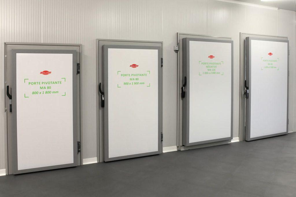 Plusieurs modèles de portes frigorifiques, standards ou industriels, vous sont proposés.