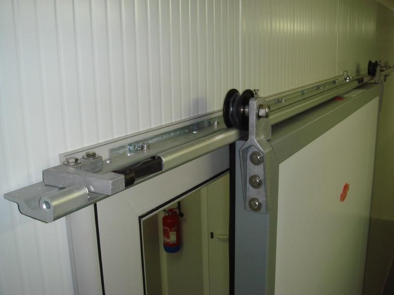 Portes frigorifiques coulissantes MA 80 rail