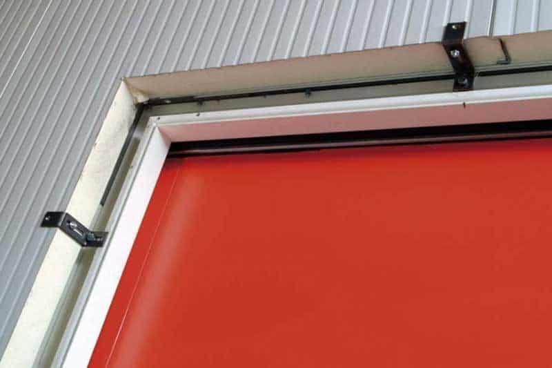 Portes frigorifiques industrielles MA 95 fixation bâti dans panneaux