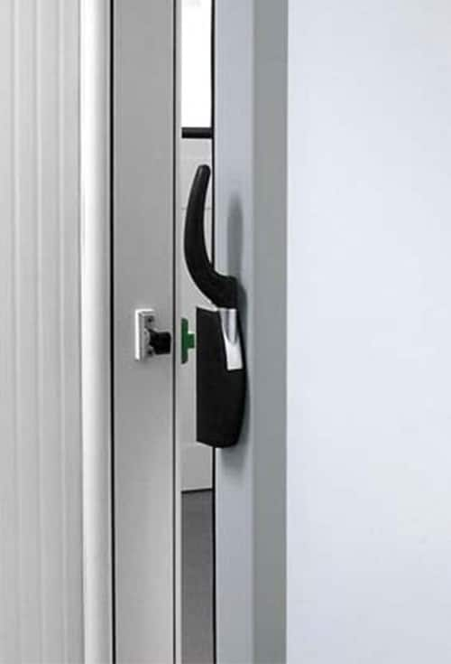 Portes frigorifiquespivotantes poignée extérieure