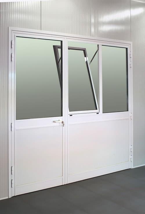 Portes pivotantes alu vitrées 2500*2300 + 2 vantaux
